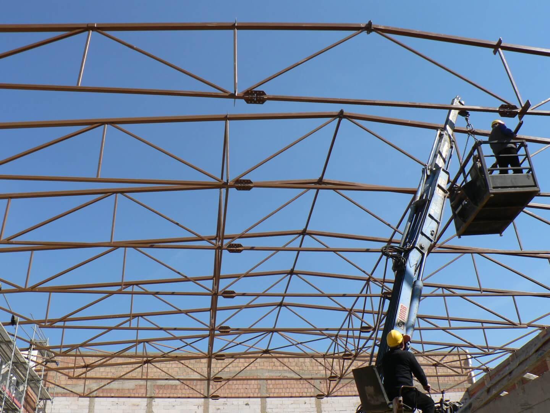 Read more about the article Dach hali sportowej Łódź