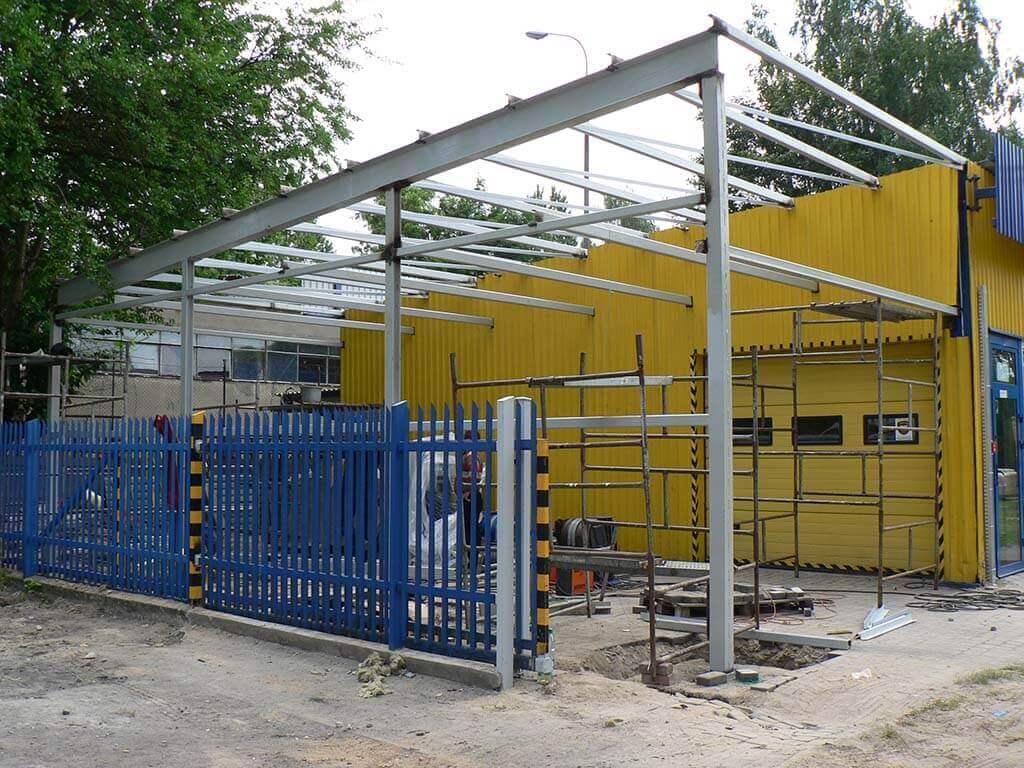 Konstrukcja stalowa hali produkcyjnej – dobudowa