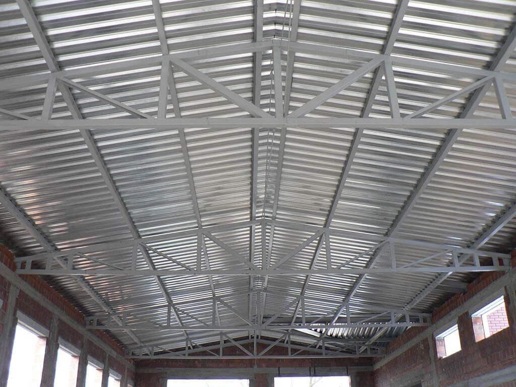 Konstrukcja dachu stacji kontroli pojazdów